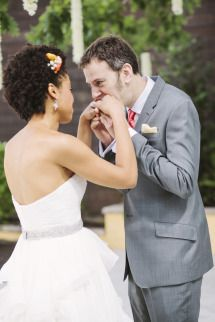 Bright, Modern Summer Wedding   Photos