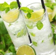 美味しい♡これなら飲める「日本酒カクテル」まとめ Cocktail Drinks, Cocktails, Colorful Drinks, Matcha, Champagne, Food And Drink, Alcohol, Milk, Sweets