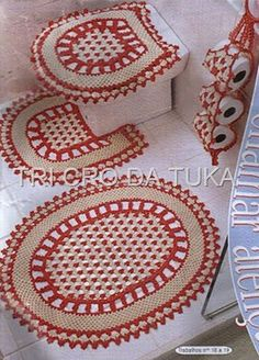 Um jogo para banheiro bonito e útil… Crochet Mat, Crochet Home, Crochet Trim, Crochet Gifts, Vintage Crochet Patterns, Crochet Stitches Patterns, Bathroom Crafts, Bathroom Sets, Crochet Decoration