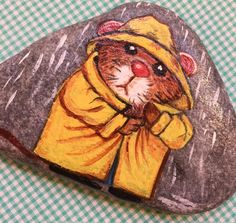Looking for easy rock painting ideas? Perhaps you're simply beginning, you're daunted by even more intricate styles, try this, rock painting ideas, very inspiration for DIY or Decor - Rock Painting Ideas Pebble Painting, Pebble Art, Stone Painting, Mandala Painted Rocks, Painted Rocks Craft, Painted Stones, Painted Pebbles, Painted Rock Animals, Rock Painting Ideas Easy