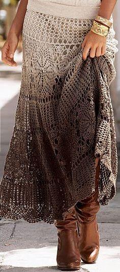 Bonita saia de crochet.