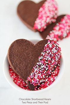 Chocolate Shortbread Heart Cookies on Dipped in chocolate too Valentine s Day desserts recipes ideas Valentine Desserts, Valentines Day Cookies, Valentines Day Treats, Birthday Cookies, Valentine Ideas, Valentines Recipes, Valentine Cupcakes, Valentine Chocolate, Chocolate Hearts