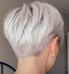Edgy Short Haircuts, Short Choppy Hair, Short Hairstyles For Thick Hair, Mom Hairstyles, Haircuts For Fine Hair, Grey Bob Hairstyles, Short Pixie Bob, Modern Haircuts, Short Silver Hair