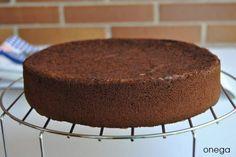 Bizcocho de chocolate receta The Kitchen Food Network, Homemade Desserts, Relleno, Food Network Recipes, Tiramisu, Pie, Pudding, Sugar, Baking