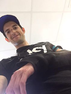 #cyclingselfies wout Poels after a hefty fall