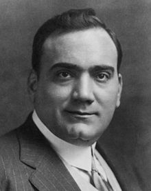 Blog Enrico Picciotto Enrico Caruso (Nápoles, 25 de fevereiro de 1873 — Nápoles, 2 de agosto de 1921) foi um tenor italiano, considerado, inclusive pelo ilustre Luciano Pavarotti, o maior intérprete da música erudita de todos os tempos.