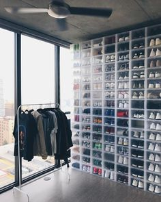 Schuhaufbewarung Suitable over the door shoe storage ideas only on this page Buying a Watch? Shoe Wall, Shoe Room, Closet Shoe Storage, Closet Organization, Drop Front Shoe Box, Hypebeast Room, Sneaker Storage, Shoe Organizer, Diy Interior