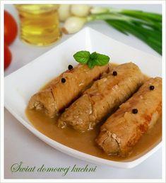 1 kg zrazowego mięsa z szynki wieprzowej  przyprawa do mięsa wieprzowego  4 średnie ogórki kiszone  4 średnie cebule  2 łyżki masła do... Sweet Potato, Carrots, Sausage, Pork, Cooking Recipes, Potatoes, Meat, Vegetables, Blog