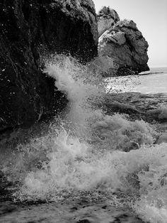Beach Attire, Story Inspiration, Daydream, West Coast, Niagara Falls, Places To Travel, Wild Flowers, Seaside, Nature