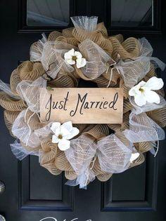 rustic just married wedding wreath / http://www.himisspuff.com/wedding-wreaths-ideas/9/