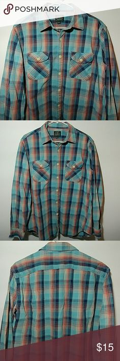💙J. CREW...Men's Large Heavy Weight Flannel💙 Up for grabs is this men's size large heavyweight flannel by J. Crew. This flannel is in excellent preowned condition. It is in the colors of a teal blue, a navy blue, and a salmon color. Check out my closet for more men's shirts. Thanks for looking. J. Crew Shirts Casual Button Down Shirts