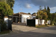 Bungalow style villa for sale in Sotogrande Costa