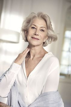 women campaign Breathtaking: Helen Mirren proved to be the perfect model for LOreals new skinwear campaign as she encouraged women to show themselves off Dame Helen, Perfect Model, Older Women Fashion, Ageless Beauty, L'oréal Paris, British Actresses, Aging Gracefully, Mannequins, Old Women
