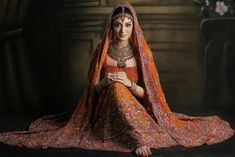 The Lengha is the attire of South Asian women that is distinct, sexy, ceremonial and highly recognised for its ethnicity. Pakistani Bridal Lehenga, Lengha Choli, Pakistani Girl, Pakistani Outfits, Saree, Pakistani Clothes Online, Latest Bridal Dresses, Pakistan Fashion Week, Fancy Suit