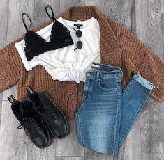 College Outfits – Page 9234414189 – Lady Dress Designs Teen Fashion Outfits, Mode Outfits, Outfits For Teens, Girl Outfits, Casual Teen Fashion, Fashion Fashion, Fashion Shoes, Luxury Fashion, Cute Fall Outfits