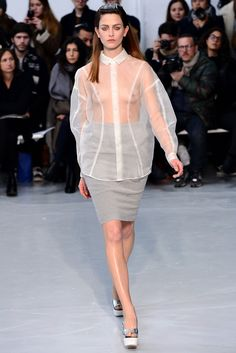 Julien David Parigi - Collections Fall Winter - Shows - Vogue. Fashion Oops, Latest Fashion Clothes, Fashion Show, Fashion Outfits, Fashion Design, Sexy Dresses, Cute Dresses, Fashion Week Paris, Julien David