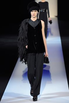 Giorgio Armani Fall 2013 RTW - Review - Fashion Week - Runway, Fashion Shows and Collections - Vogue