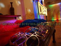http://www.dekoracjetematyczne.pl/Lata70.html