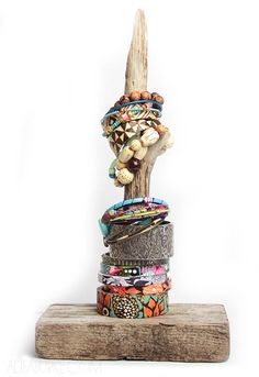 DIY: driftwood jewelry stand