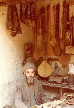 Instrument maker in Kabul, Afghanistan, 1978