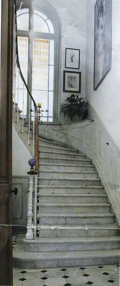 ✣ French Country Farmhouse ✣  stairway- clever way to treat the turn of the stairway with a ledge...