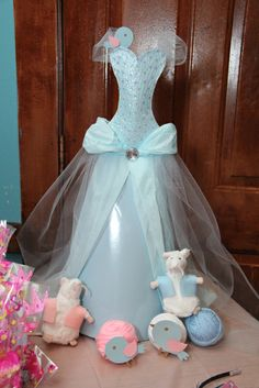 Cinderella Party #cinderella #partyProfile picture of Wendy Machen-Wong    Wendy Machen-Wong  fun idea would to be is have the girls decorate Cinderella's ball gown.