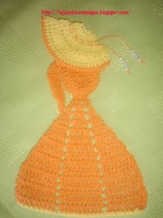 ♥♥♥♥ Love, love crochet doll with diagram (diagram = my style). I'm definitely making this.