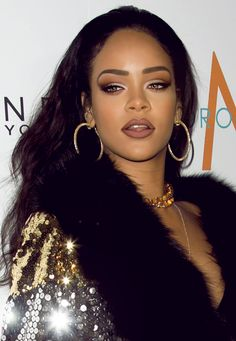 love this makeup look on Rih