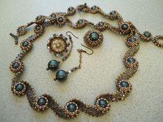 Swirly beaded necklace