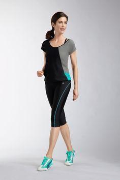 Legging AMOENA Capri 1222 Noir/bleu Le legging 3/4 moulant Capri est proposé avec une surpicure en coloris contrasté. Avec une poche cachée à l'intérieur de la ceinture. A coordonner avec votre lingerie sport AMOENA. #lingeriesport #sport #legging www.lingerie-sport.com