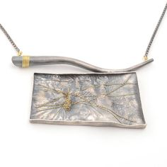 Harold O'Connor, Untitled, 2013, necklace, spectralite, 18-karat gold, oxidized silver, 82.6 x 41.3 mm, photo: artist