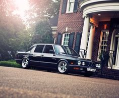 BMW E28 5 series black
