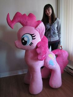 this is a very large Pinkie Pie plush. And when we say very large, we mean the size of a real little pony. This custom made plush stands Pinkie Pie, My Little Pony Bedroom, Little Pony Party, Diy Upcycling, Mlp Pony, My Little Pony Friendship, Twilight Sparkle, Fluttershy, Rainbow Dash