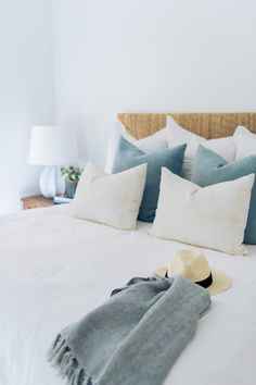 See the Homes That Nailed Best Design Trends Newport Beach Home with Cool California Style Beach House Bedroom, Beach Room, Beach House Decor, Home Bedroom, Home Decor, Modern Beach Decor, Beach Chic Decor, Beach Bedroom Decor, Master Bedroom