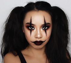 40 Scary Yet Pretty Halloween Makeup Looks You Need - Page 3 of 40 - Makeup Looks - Halloween Maquillage Halloween Clown, Halloween Makeup Clown, Halloween Makeup Looks, Cute Clown Makeup, Halloween Costumes For Teens Girls, Cool Halloween Costumes, Easy Costumes, Clown Costumes, Halloween Halloween