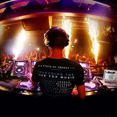 Armin van Buuren headlining ASOT 550 on 01.03.12 - by @taylormcowan (Taylor C)