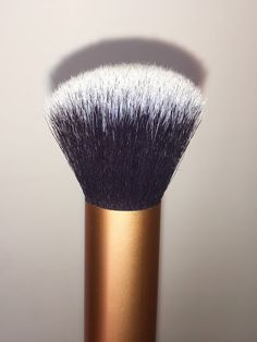 Pink Chocolate Mocha - Real Techniques Core Collection Brush Kit Review - Buffing Brush