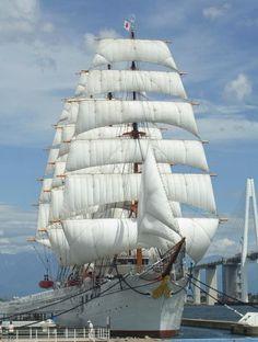 帆船海王丸.:Sailing ship Sea King (Kaio-Maru) Japan   < 475° pl https://de.pinterest.com/lparaszkiewicz/marynistyka/