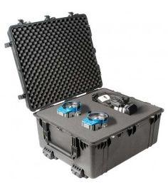 Pelican - 1690WF Large Case with Foam on Wheels