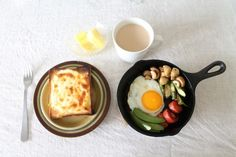 nameless table Beverages, Eggs, Breakfast, Table, Foods, Food Food, Food Items, Egg, Mesas