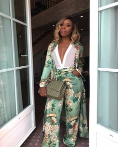 """50.3k Likes, 664 Comments - Jackie Aina (@jackieaina) on Instagram: """"when the St Tropez light hits you ✨ Outfit is tagged - can you believe I'm actually wearing a…"""""""