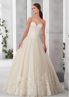 Buy discount Classic Tulle & Satin Sweetheart Neckline A-Line Wedding Dresses With Lace Appliques at Dressilyme.com