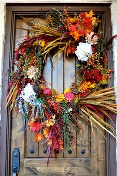 Autumn Decor - traditional - spaces - dallas - In Sight Designs Unlimted...such a beautiful wreath!