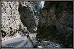 Cheile Bicazului si Lacul Rosu / Bicaz Gorges and the Red Lake | Calatorind prin tara,