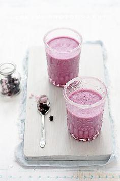Blackberry and Yogurt Breakfast Smoothie - Bon Appétit #Smoothie # ...