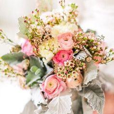 happy sunday! // lovely photo of our bridal bouquet: @thealexlasota #bouquet #rosemaryandrust #florist #yorkpa #theknot #risingtide #wedding #pa