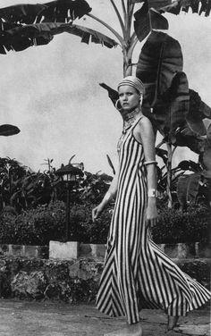Vogue January 1971 - Puerto Rico