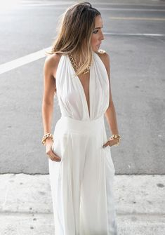 27 Astonishing White Outfit That Will Make You Look Absolutely Stunning.