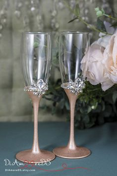 Rose Gold Wedding Glasses Personalized Champagne Flutes for Bride and Groom, Rose Gold Flute Set, Bling Toasting Glasses Wedding Gift, Engraved Glasses Set Of 2 Rose gold wedding is the trend of the season! Add some sparkle to your event with our flute set from our new bling wedding