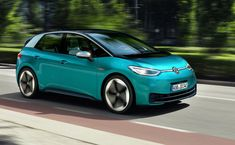 Volkswagen ID 3 wants to make electric cars common - Roadshow Peugeot, Crossover, Renault Zoe, Vw Group, Bmw I3, Car Sounds, Diesel Cars, Power Cars, Automobile Industry